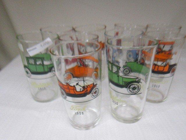 9006: 8 glasses-Antique auto's by Hazel