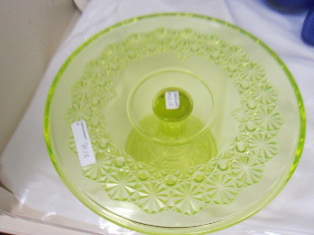 9013: Footed Queen's Cake dish Vaseline