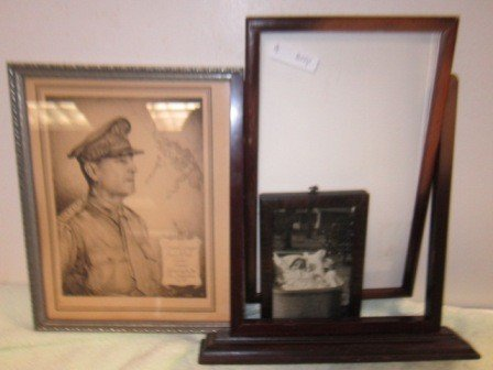 8014: 3 wood picture frames