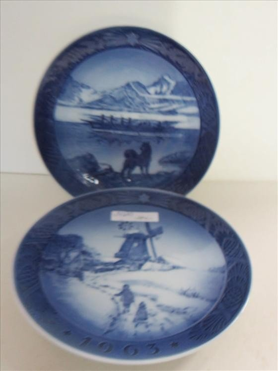 5020: 2 plates-Royal Copenhagen