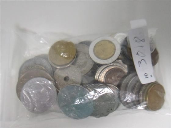 3018: Bag lot of mixed coins and tokens