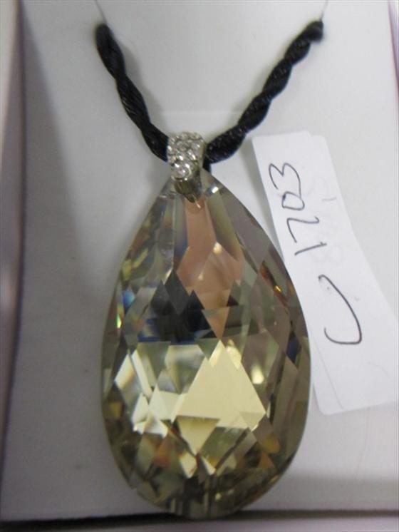 1703: Murano crystal pendant egg shaped