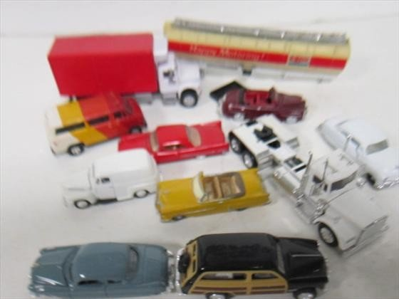 1711: Bag of cars and trucks