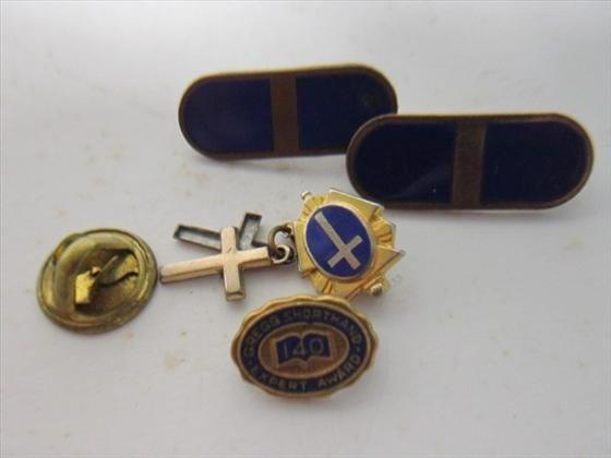 1716: 4 mini pins-blue gold bars crosses