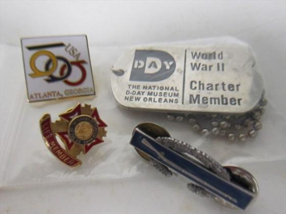 1717: 3 small lapel pins-USA