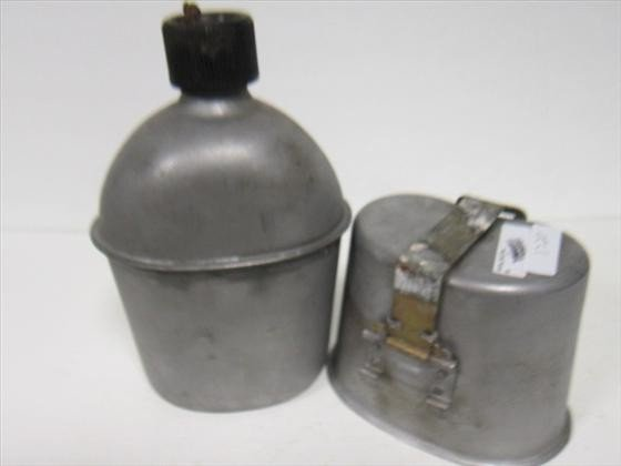 1720: US  aluminum canteen and pail