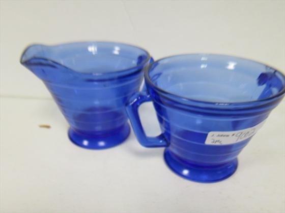 9002: Creamer and sugar cobalt blue