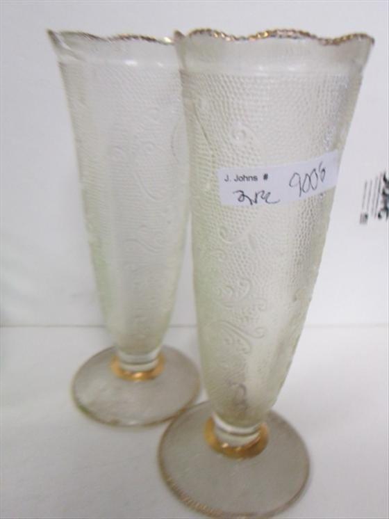 9006: 2 bud vases