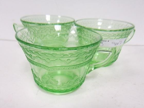 9007: 3 Green Patrician cups