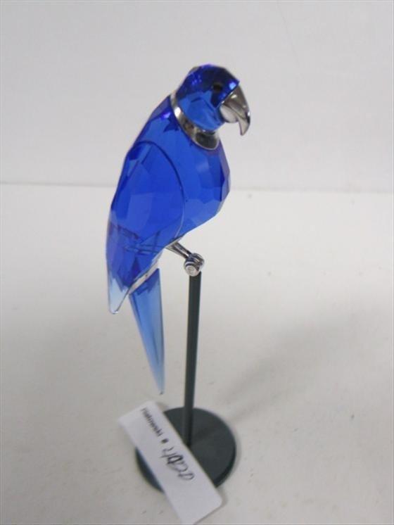4020: Swarovski blue parrot on stand silver trim