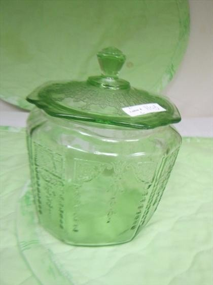 1105: Green depression cookie jar - Princess