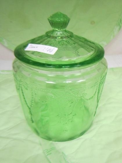 1166: Green Cameo cookie jar with lid