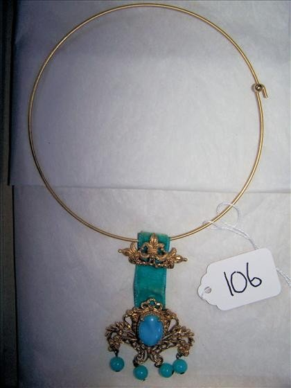 106: Vintage necklace Jade?  florenza