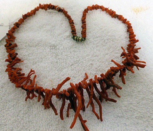 6506: Fire coral necklace screw clasp - 18""