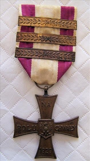 6726: Cross Military Medal with three Bars