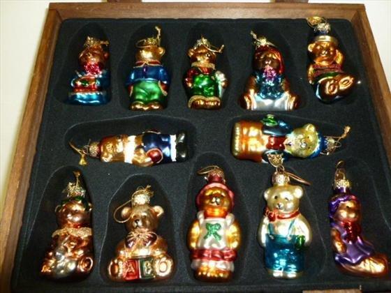 1806: Thomas Pacconi-12 Bear Christmas ornaments