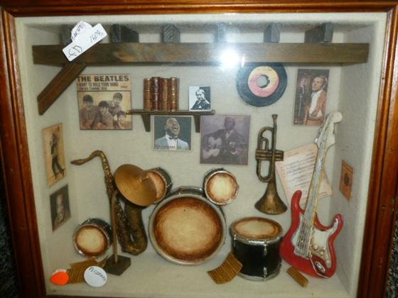 1808: Shadow box-musical instruments & pictures