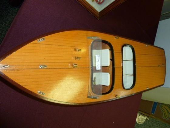 1809: Model Replica of wood boat
