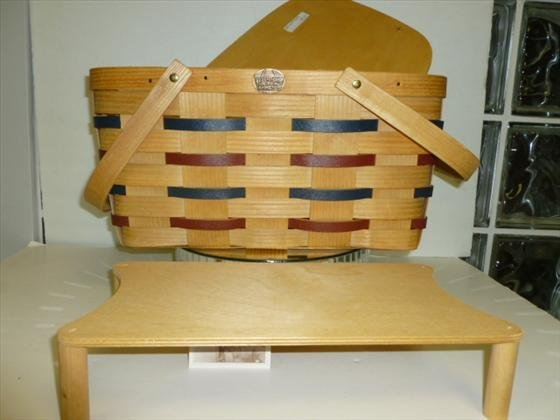 1814: Peterboro Basket-picnic with footed rack