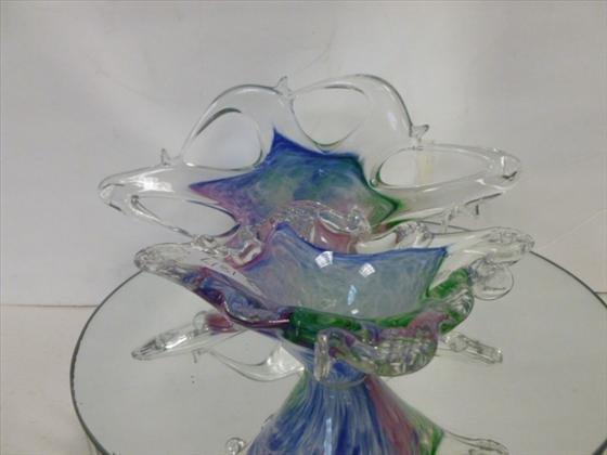 "1817: 2 pc glass decorator dishes-6"" &  9 1/2""L"