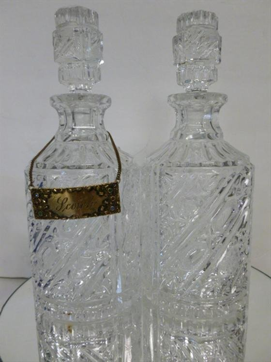 1886: 2 glass decanters