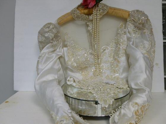 1893: Top to bridal gown-sequins,beads,satin,lace