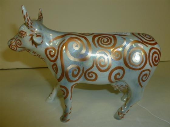 Cow parade cow-#7306- Metallicow-2002