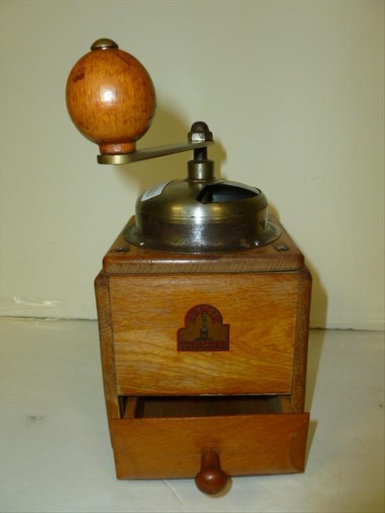 Coffee grinder with draw-Armin Trosser-oak