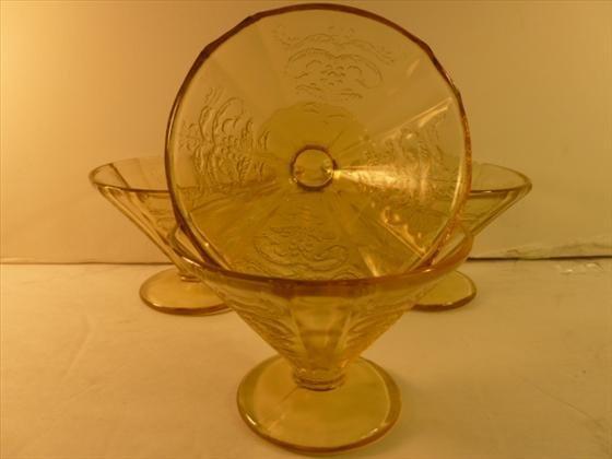 4 gold depression glass sherberts