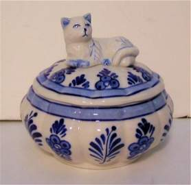 Delft blue and white covered trinket box