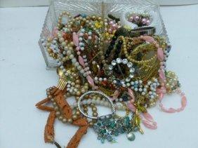 Nice box lot of assorted jewelry