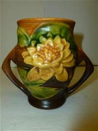 7237: Roseville Pottery - Water Lily vase
