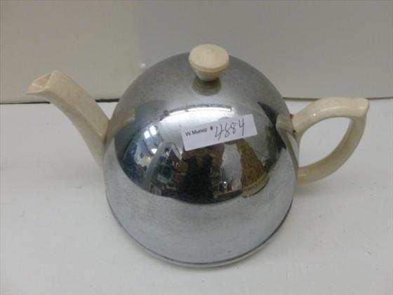 Tea pot - Heat master Made in England