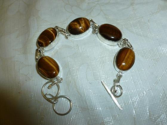 Silver-Cats eye bracelet