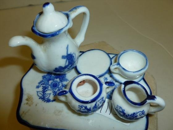 Doll house China set with tray