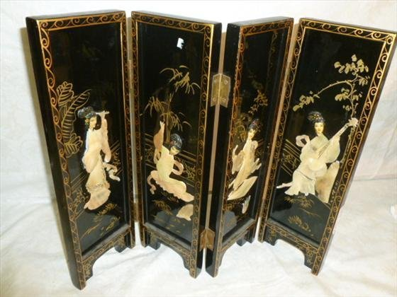 Black lacquer 4 part folding screen mother of pearl Gei