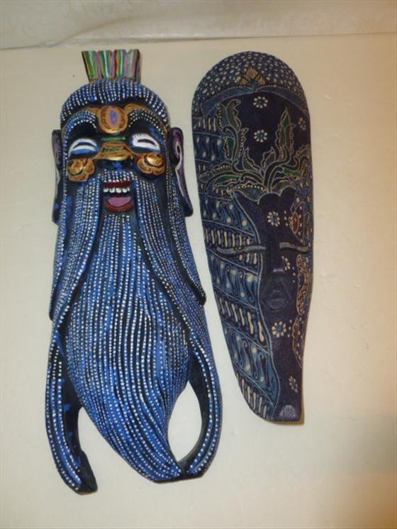 2 pc wood masks for wall