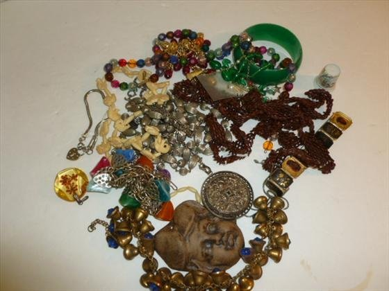 Bag lot assorted necklaces