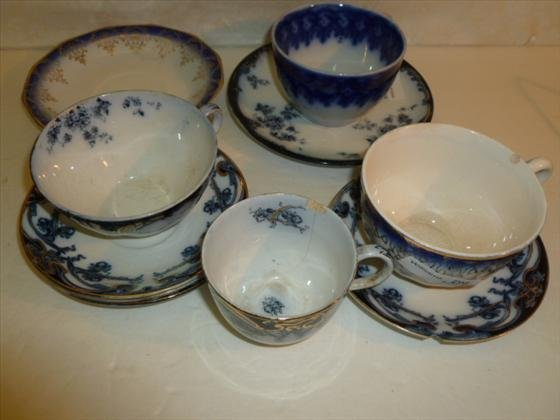 10 pc flow blue cups and saucers