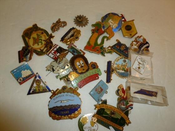 Bag lot of 27 Lions club pins