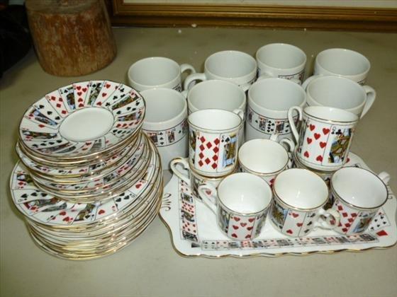 39 pieces Staffordshire bone china set- Elizabethan