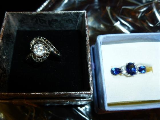 2 Ladies 925 Silver rings-blue Sapphire 2 carat and Bla