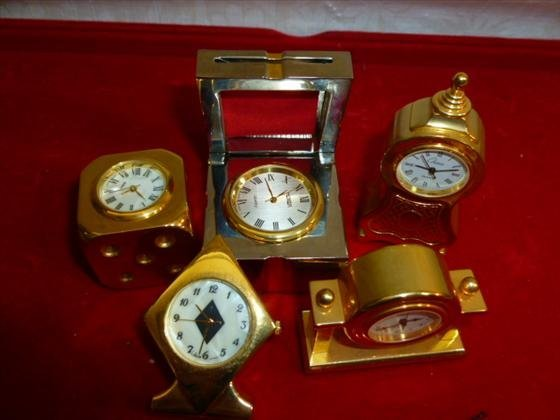 5 gold and silver tone small dresser clocks- Chass-Gian