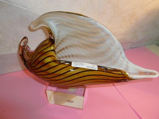 Murano glass sea shell gold striped white inside and
