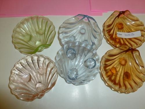 6 glass shell shaped footed mint dishes in assorted