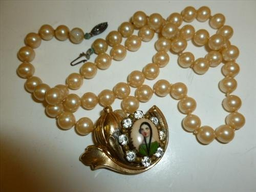 2 piece vintage jewelry pieces