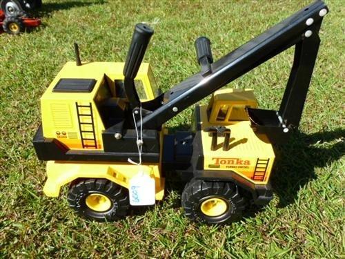 Tonka Turbo Diesel crane truck plastic -yellow rubber