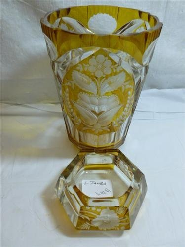 2 pc gold cut to clear Bohemian style glass cut flowers