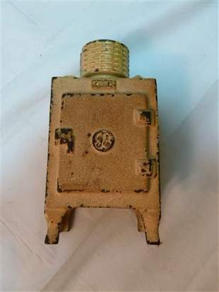 Cast iron bank- GE Refrigerator- -Hubley- circa 1930- 4
