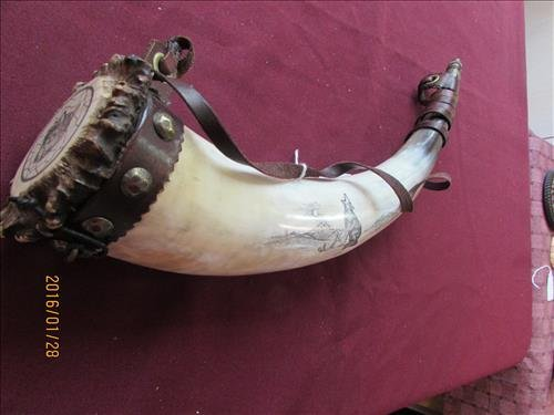 Carved Powder Horn with Wolf Head Scrimshaw by John